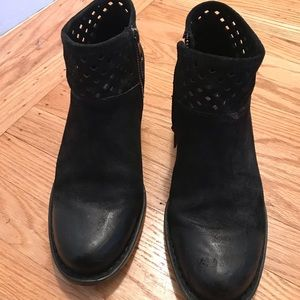 "Born Winema black ""distressed"" boots sz 8.5"